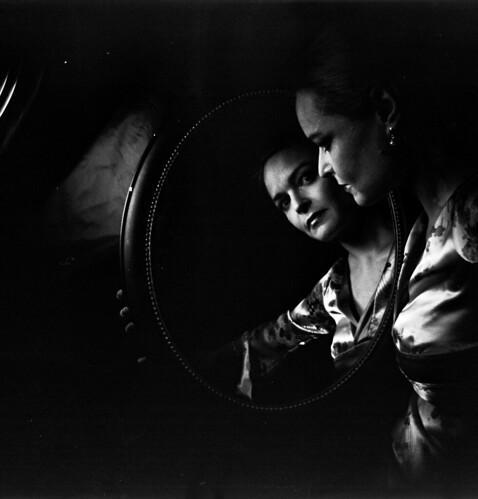 12 dramatic low key black white portraits