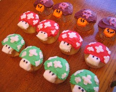 THIS ISN'T NEW!!!!! (a dozen mario cupcakes)