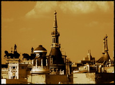 Tejados de madrid... (*atrium09) Tags: madrid travel espaa topf25 sepia spain olympus oldphoto tone blueribbonwinner 25faves atrium09 mywinners abigfave outstandingshot shieldofexcellence colorphotoaward travelerphotos goldenphotographer goldenphotographer sepiaandtonedphotoawards rubenseabra