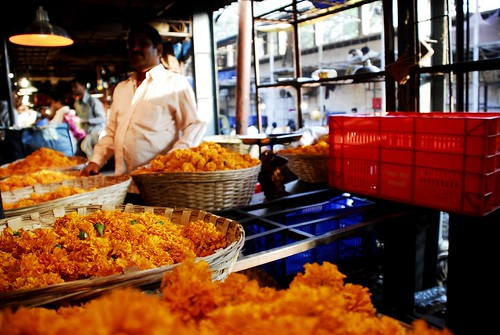 Petals, Toil and Business at Dadar's Phulgalli [PHOTO7] - Marigolds