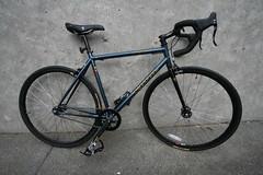 New Bike (Jeff (xnine)) Tags: bike bicycle canon  bicicleta flipflop singlespeed fixedgear 700 bicyclette fahrrad kona fietsen cykel newbike  paddywagon    radfahren   widelens  rijwiel      mrower jechanarowerze