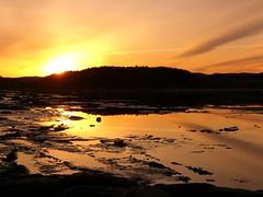 Fantastic sky (-Valrie-) Tags: sunset sun canada mountains sol water soleil agua eau quebec qubec fjord naranja saguenay chicoutimi montagnes puestadelsol orabge