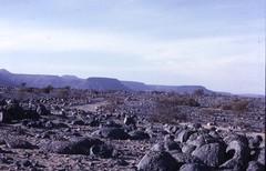 Sahara Desert near Atar, Mauritania (gbaku) Tags: africa west sahara rock stone rocks desert stones african westafrica afrika geology mauritania africain afrique mauritanie africaine westafrican saharan gologie mauritanian afrikas
