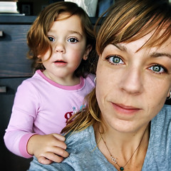 The Real Us... (sesame ellis) Tags: selfportrait me real toddler daughter mother mykid nomakeup racheldevine gemmanotluna losangelesnotbrazil whattheheckisorkutanyway godmyheadlookshuge