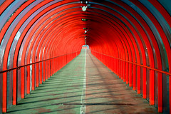 Tunnel Vision (Rod Monkey) Tags: red scotland glasgow quality interestingness1 tunnel instantfave i500 artlibre karmafavorite superaplus aplusphoto goldenphotographer superhearts rodirvine