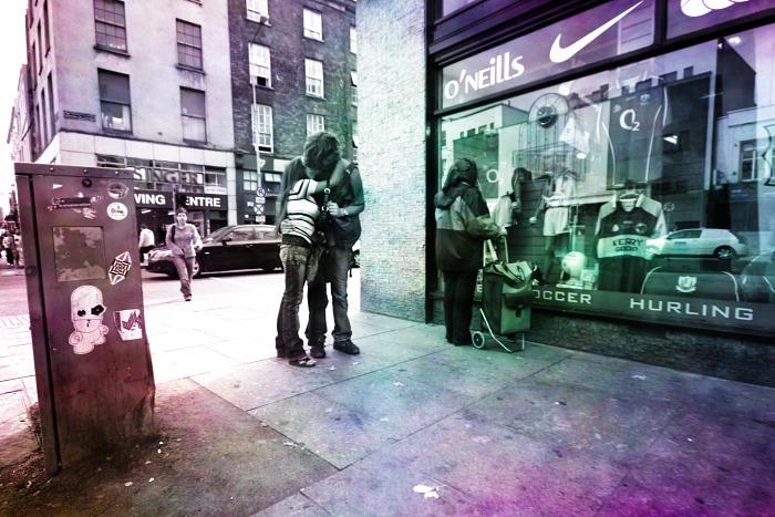 A kiss at O'Neills Corner