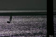 Contra luz.... (Boarin) Tags: luz praia gua mar barco contra