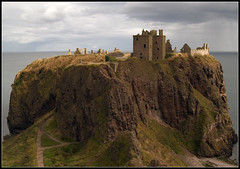 Approach to Dunnottar Castle - by spodzone