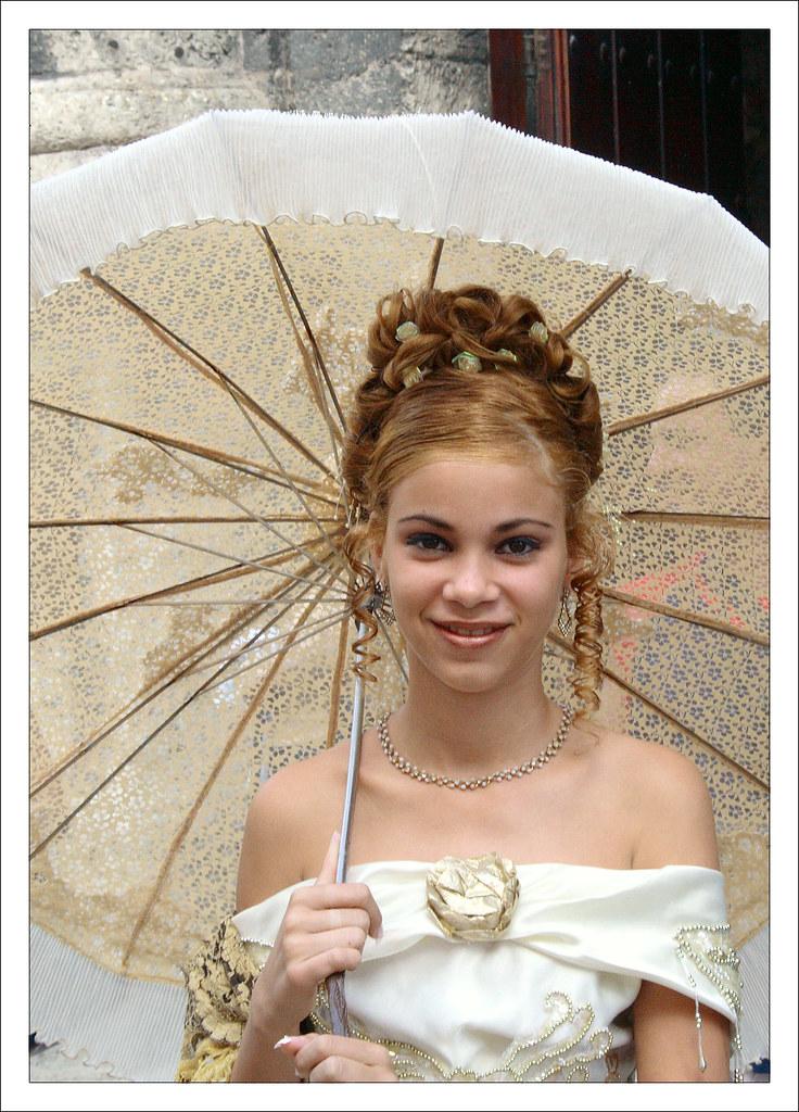 La cubana es la reina del Eden.....(fotos de bellezas en Cuba) 436330555_08982d92d6_b