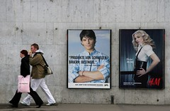 apple ... (Dreamer7112) Tags: street people 20d promotion wall ads advertising poster schweiz switzerland pub europe publicidad suisse suiza propaganda canon20d madonna zurich ad canoneos20d billboard advertisement explore views billboards walls zrich hm juxtaposition publicity werbung svizzera advertisements zuerich publicit plakate plakat eos20d publicidade pubblicit zurigo  rclame pubblicita werbeplakat werbeplakate abigfave stphanelambiel clipcook
