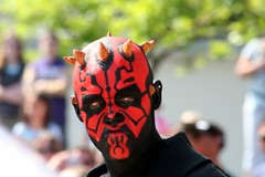 Darth Maul (FrogMiller) Tags: california ca family tourism smile cali danger starwars disneyland performance smiles evil lucasfilm tourist disney tourists calif entertainment cal darth jedi orangecounty anaheim oc performer tomorrowland sith darthmaul lightsabers theforce disneylandresort padawan thephantommenace phantommenace castmember jeditrainingacademy tomorrowlandterrace