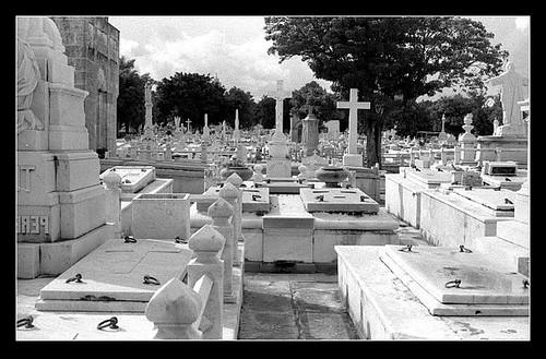 Cementerios por AL/EX.