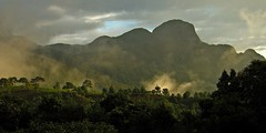 Pico do Papagaio at Sunrise - Matutu - 2006