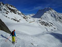 Finding the Way (David Roberts 01341) Tags: skiing skitouring skirandonnee alps switzerland suisse italy italia grandsaintbernard offpiste