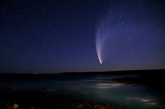 McNaughts Comet over Sleaford Bay South Australia (john white photos) Tags: bay australia peninsula comet eyre sleaford mcnaught
