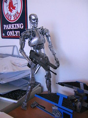 Standing on my desk. (I Am Adam) Tags: monster toy robot play terminator 18 terminate t2 t800 endoskeleton endoskull