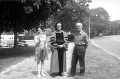 Francisco Varela con sus padres, graduación en Harvard