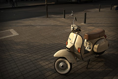 Objeto de mi obsesin (RubioBuitrago) Tags: street sunset atardecer calle colombia bogota vespa bogot scooter moto px150e sicoactiva