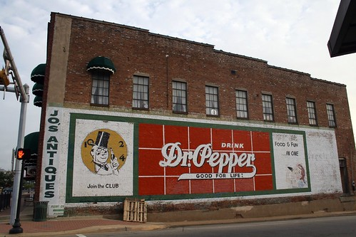 dr. pepper sign in mt. pleasant