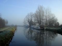 Matin Brumeux II - Foggy Morning II (Capucine D.) Tags: winter fog canal belgium belgique hiver belgi pniche brouillard brume