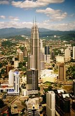 Petronas Twin Towers - Kuala Lumpur (FabIndia) Tags: petronas towers twin malaysia kuala kl menara lumpur