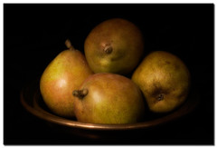 Honey Pears (borealnz) Tags: bravo pears searchthebest pear glowing naturesfinest lookslikeapainting copperbowl abigfave artlibre honeypears bppslideshow borealnz