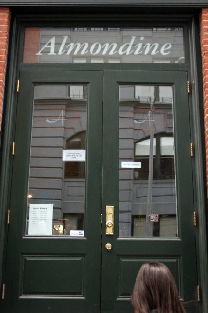 Almondine's Entrance