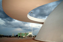 Brasilia - Capital of Brazil (Luiz Felipe Castro) Tags: brazil vacation copyright holiday hot southamerica up brasil architecture photo df foto photographer place shot top capital picture images architect tropical getty destination copyrights brasilia attraction gettyimages fotografo distritofederal ggb oscarniemeyer reservado luizcastro luizfelipecastro luizfelipedasilvadecastro duetos 2007trip felizdevervcsfelizes gettyimagesbrasil donousethisimagewithoutautorization setget2012