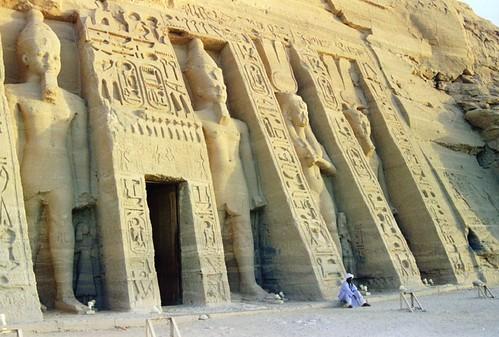 1998 157 Abu Simbel, di.8.9.98 por Hans Ollermann.