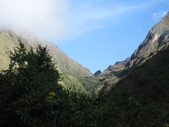 finally we can see the first pass... (elizabeets) Tags: machu inca camino pichu
