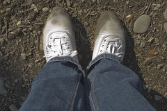 muddy_balloons_17 (sneaker lover) Tags: white fetish balloons shoes dirty canvas worn sneaker muddy keds