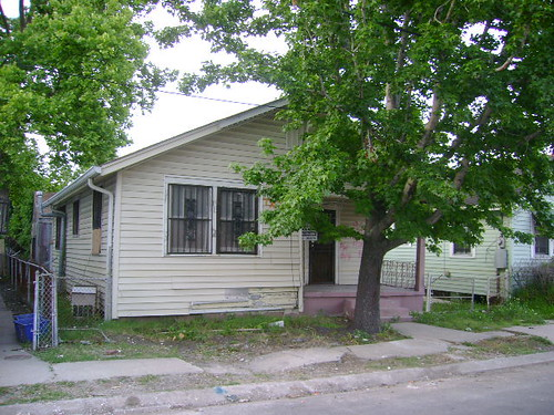 2227 north miro street