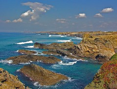 The Portuguese coast (luisa_m_c_m_cruz) Tags: blue sea sky praia portugal europa natureza frias lindo clifs portocvo thebestbravo abigfave superbmasterpiece