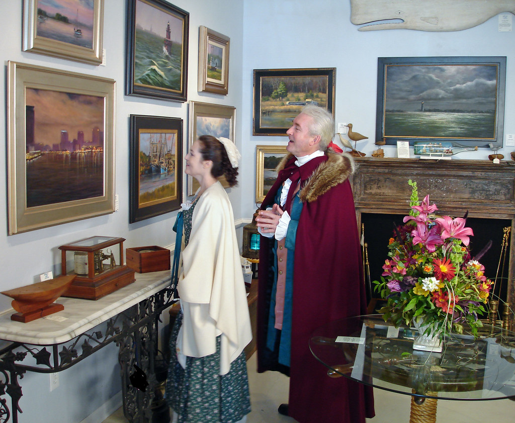 Holiday Shopping for Art in Olde Towne Portsmouth, Virginia