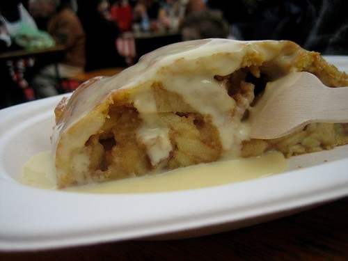 Apfelstrudel (Apple... Strudel) with vanilla sauce