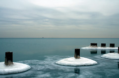 Untitled3 (pantagrapher) Tags: winter usa lake chicago ice gbrearview michigan chicagoist blueribbonwinner travelerphotos