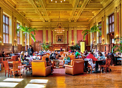 Holmes Lounge Cafe - Washington University in St. Louis (Vesuviano - Nicola De Pisapia) Tags: people food students photoshop washington cafe bravo university eating lounge stlouis eat washu wu holmes universita cibo hdr washingtonuniversity mangiare studenti wustl photomatix washingtonuniversityinstlouis hdrfromraw abigfave vesuviano colorphotoaward