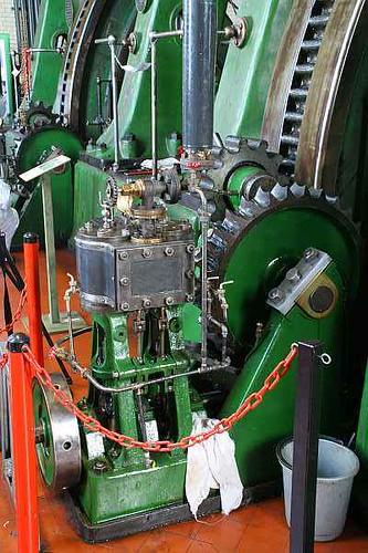 2007-03-18-009 London Vintage machinery Kempton Great Engine Triple compound pump