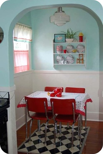 Jen Duncan's super cute kitchen! / holiday_jenny