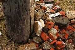 Briques (Luc Deveault) Tags: city canada canon quebec montreal qubec luc 1855mm rebelxt photosafarimtl psm150407 deveault lucdeveault