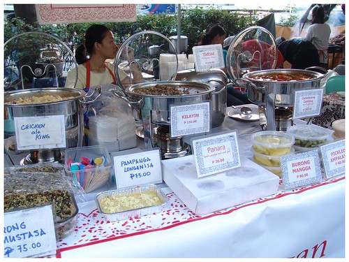 Salcedo Market weekend stall Makati Manila food vendor waits for hungry customers, ulam, weekend stall Pinoy Filipino Pilipino Buhay  people pictures photos life Philippinen  菲律宾  菲律賓  필리핀(공화국) Philippines chicken ala king kilawing burong manga mango pickled ampalaya delicacy pulutan bain-marie double boiler girl