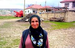 ana apla - akadam/sarkaya/yozgat (Cem Arslan Photography) Tags: travel woman anne hijab hayat ky cem gezi yayla yaam gezinti sarkaya kadn arslan krsal yozgat ziyaret akadam hisarbey hasbek kadn inklaky inkla