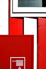 M 061 (LichtEinfall) Tags: red composition erpe raperre urbancubism
