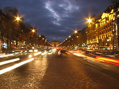 Aux Champs-Elyses !! (Nino H) Tags: city travel paris france luz night noche lumire nuit arcdetriomphe ville blueribbonwinner supershot joedassin anawesomeshot colorphotoaward superbmasterpiece