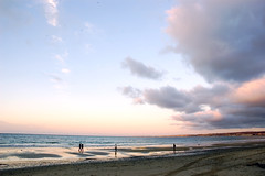Del Monte Beach - by BobÛžWho