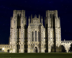 Wells Cathedral (Joe Dunckley) Tags: uk england architecture night churches cathedrals 123 wells somerset wellscathedral 123f 2for2 hotfuzz