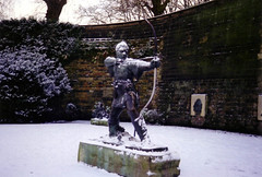 Robin Hood Statue, Castle Road, Nottingham (Brownie Bear) Tags: road nottingham uk snow castle robin britain united great kingdom gb hood