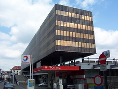 D'Ieteren headquarters building