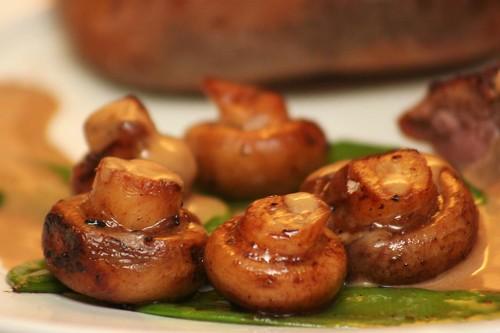 Some nice mushrooms© flickr.com/olikristinn