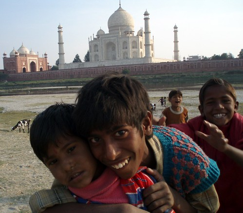 Portrait children Tajmahal